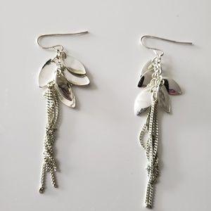 VINTAGE  ☆ Silver Dangle Earrings, PRETTY!